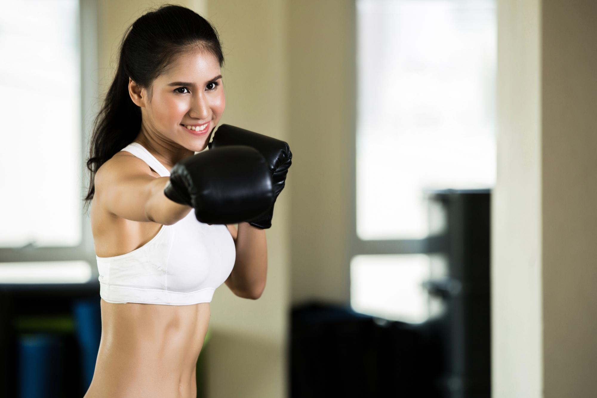 女性有名人にもキックボクシングへの人気が集まっています。