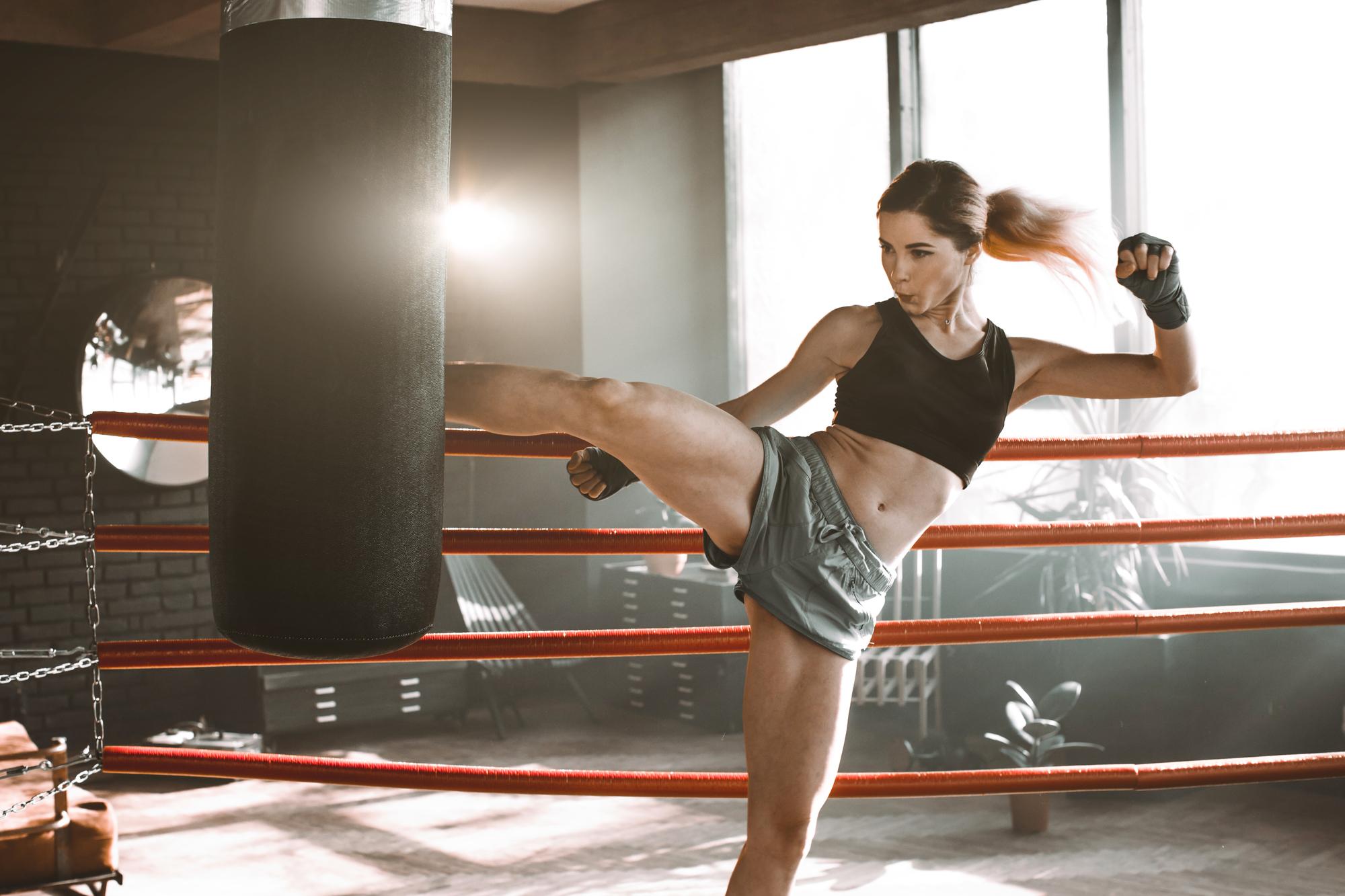 キックボクシングのジム選びで女性が悩むポイント