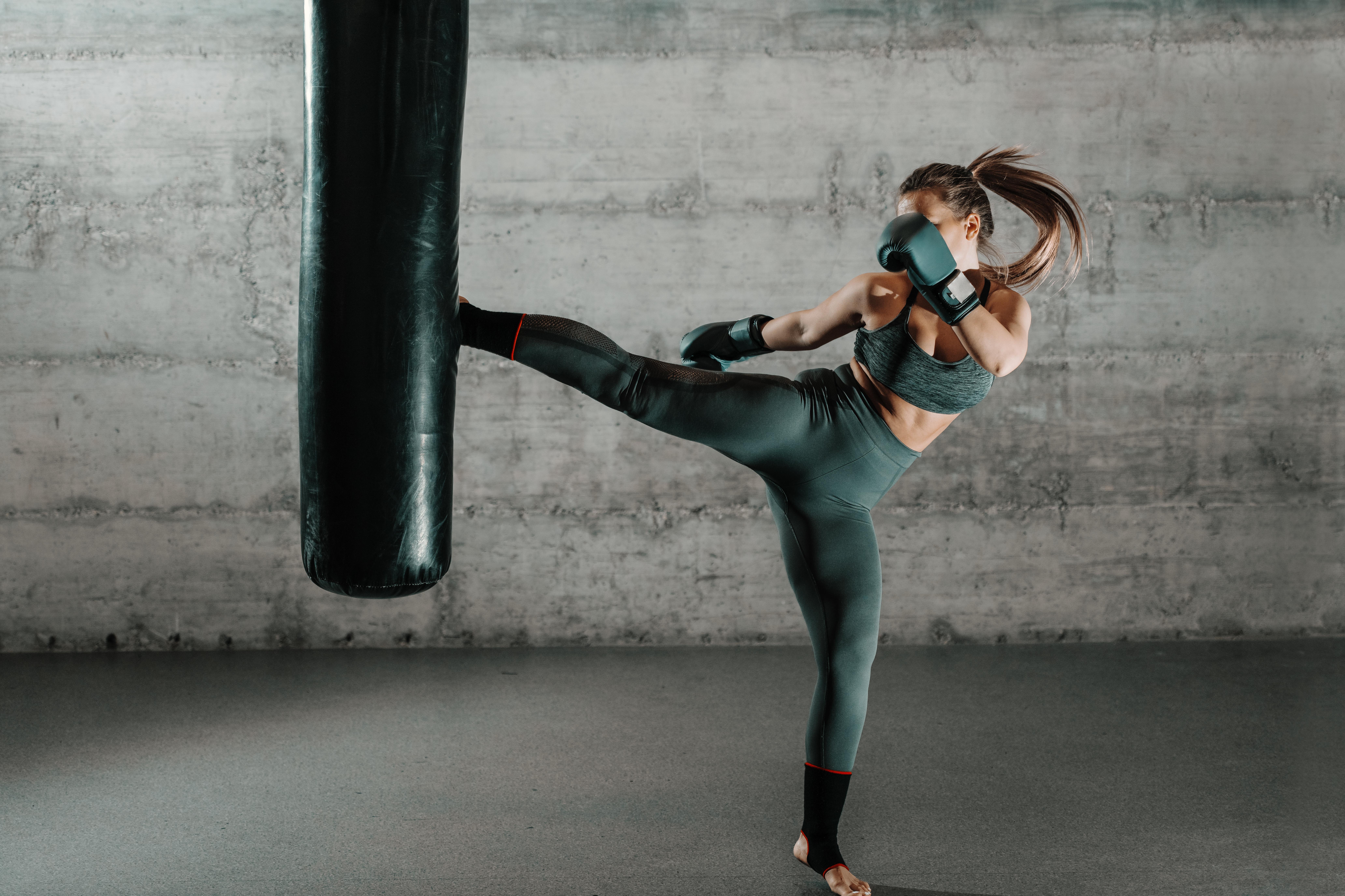 キックボクシングとボクシング、習うならどっち?