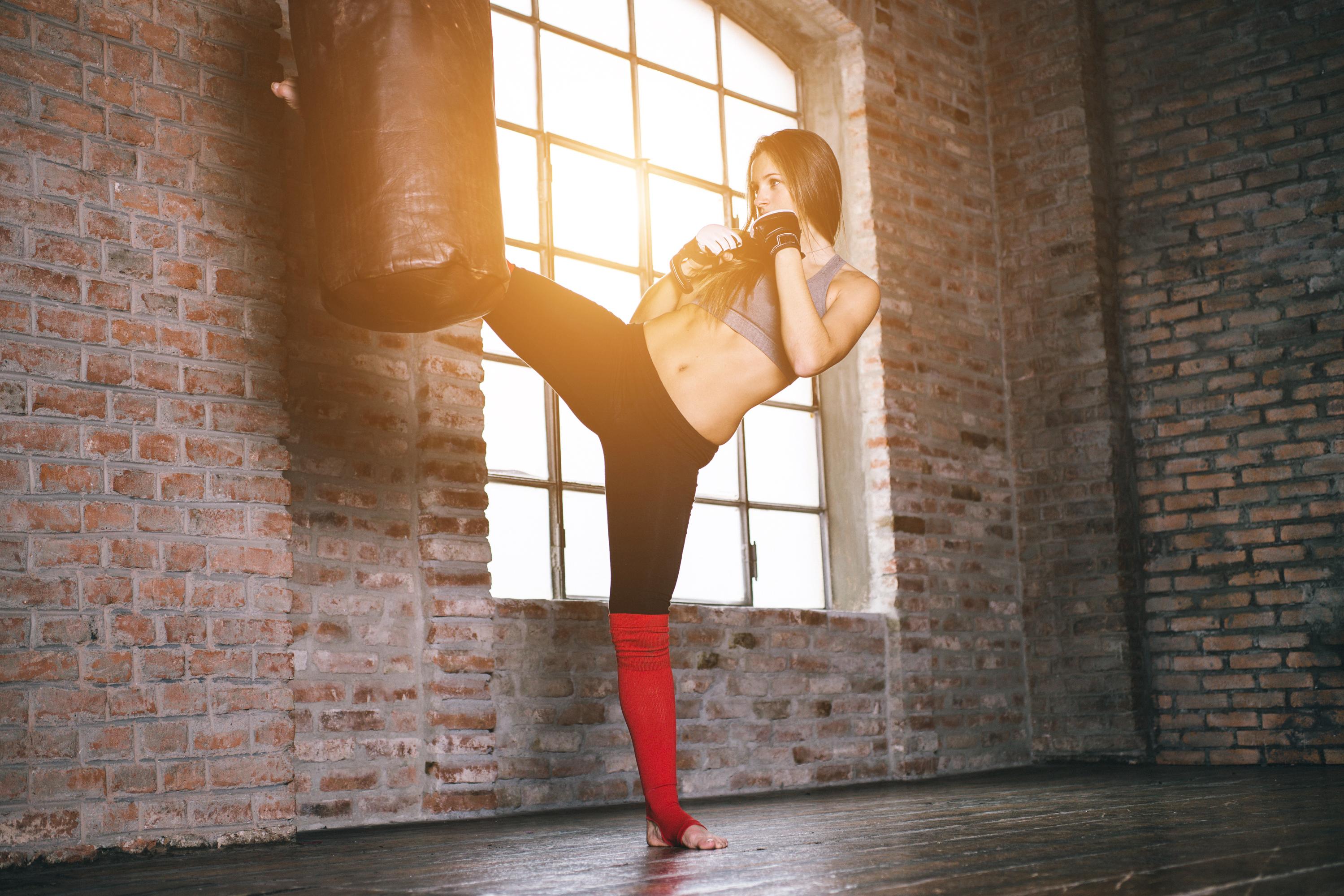 キックボクシングとボクシングはどっちが痩せる?