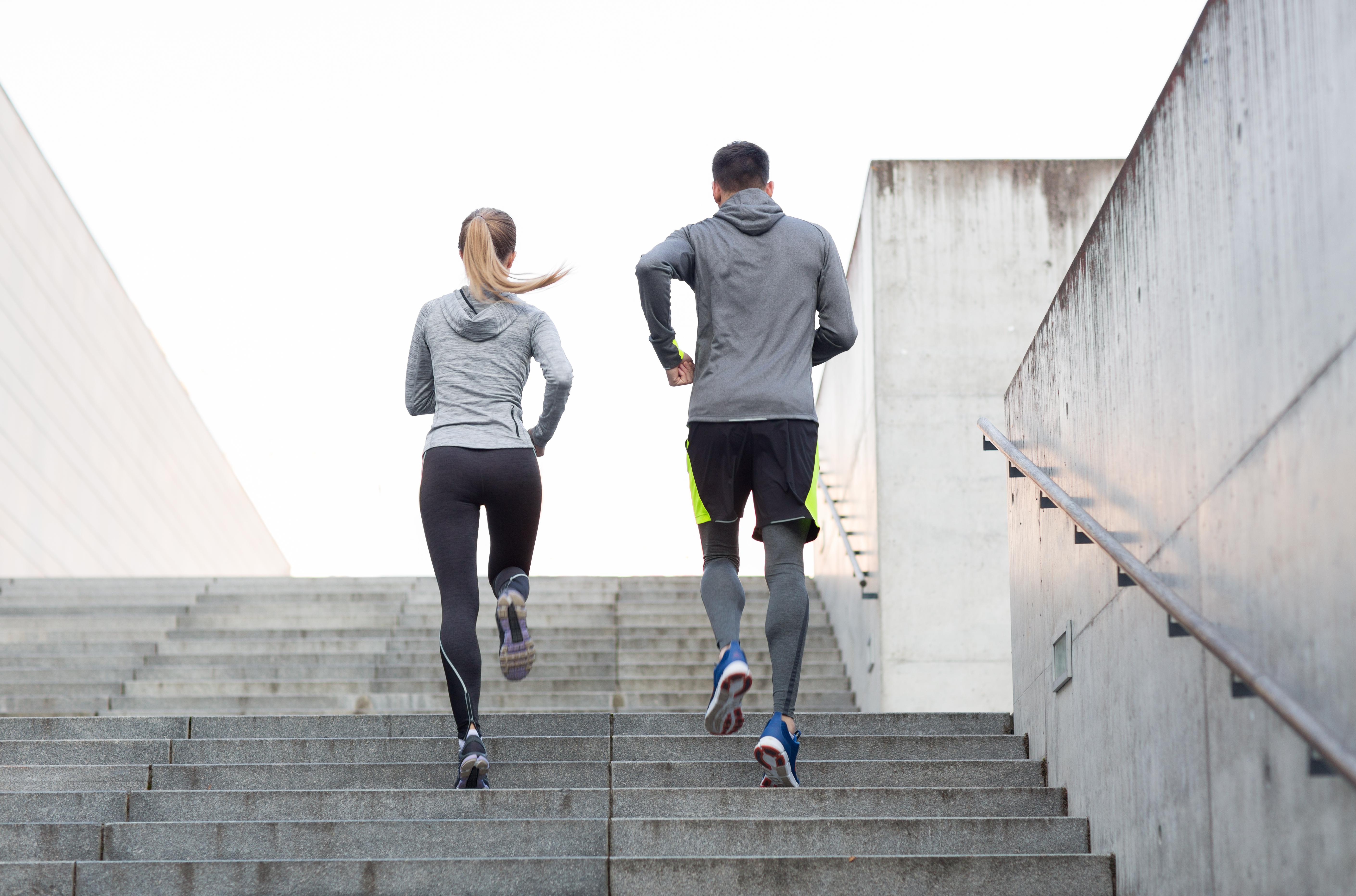 運動習慣がある人に美肌が多い理由