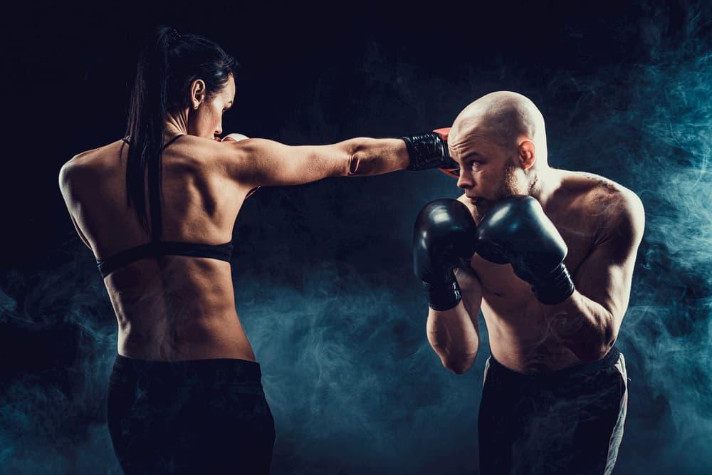 プロ育成と男女混合の一般会員向けのキックボクシングジム