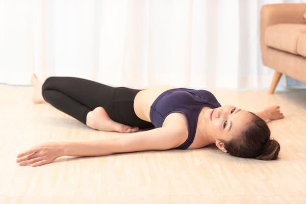 筋肉痛を緩和するストレッチ:太もも