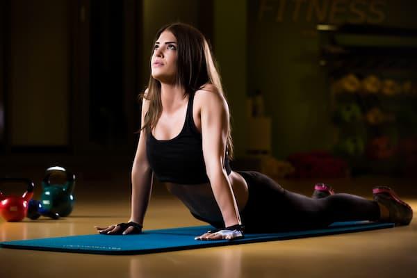 筋肉痛を緩和するストレッチ:お腹